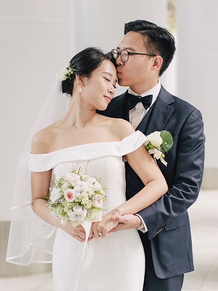 couple happy and posing during wedding ceremony